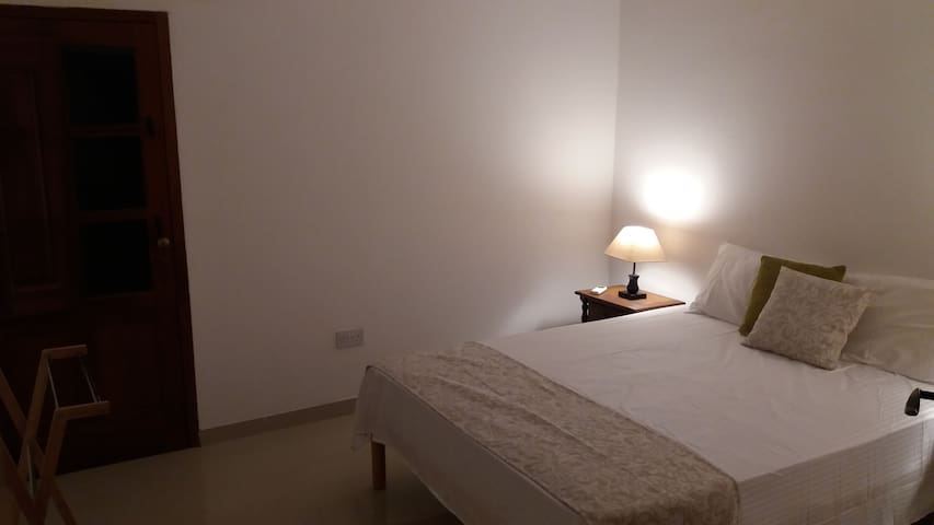Comfortable Bedroom in Spinola Bay - St Julians - Saint Julian's - Apartment