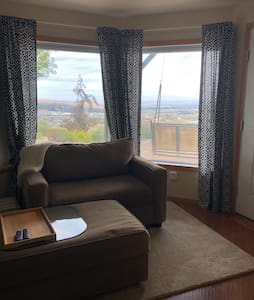 Panoramic View and Quiet Stay in Tri-Cities, WA