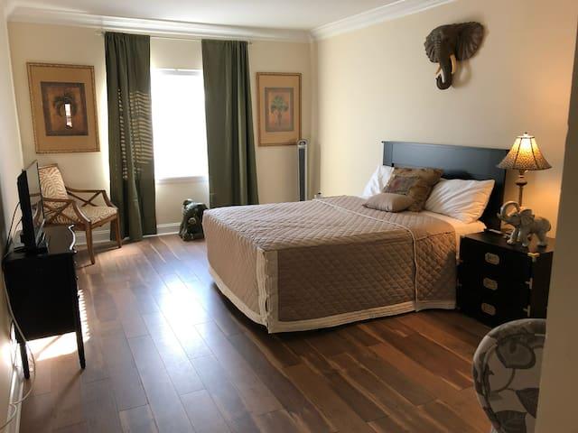 Midtown Independence Place - Safari Room