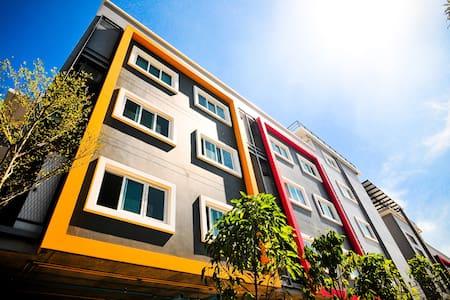 ศิโยน เรสซิเด้นซ์ - Bangkok - Lejlighed
