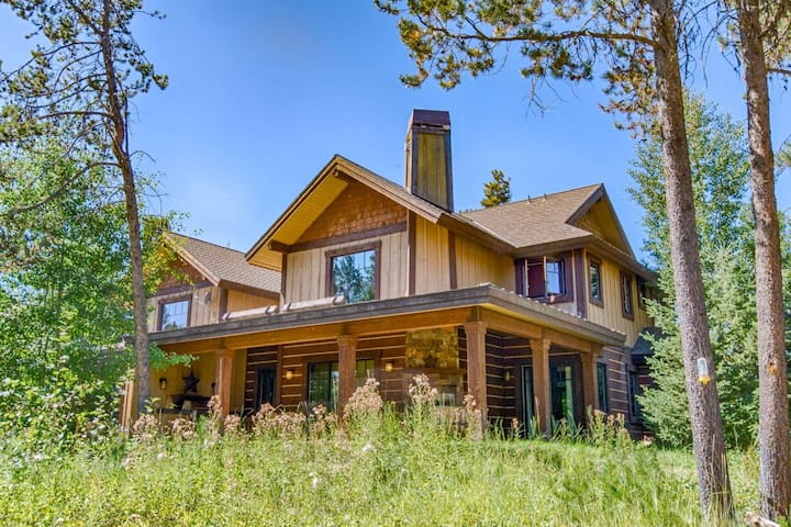 BHOTR Steelhead- FOUR Season Retreat, Sleeps 10 w/ Gym & Spa access on N Fork of Payette River