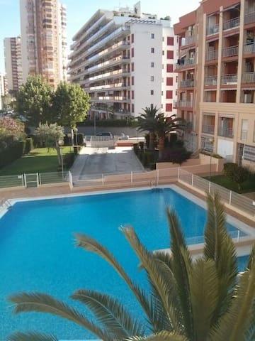 Apartamento con piscina en la puerta y playa a2min