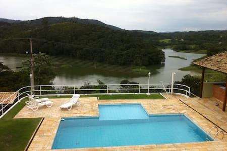 Casa para verão e inverno a 40 km de São Paulo - Mairiporã