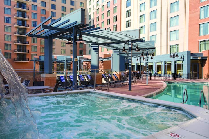 ★★NATIONAL HARBOR  2 BEDROOM WITH A BALCONY VIEW★★