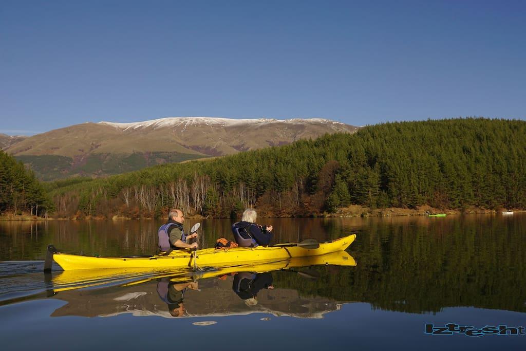 kayaking in Dushantsi lake