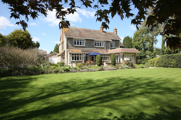 Luxury 6 bedroom Rectory near Lyme Regis