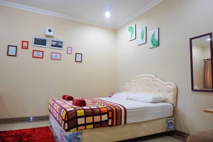 Laras Room, The Morning Dawn of Rain @CIsitu-Dago