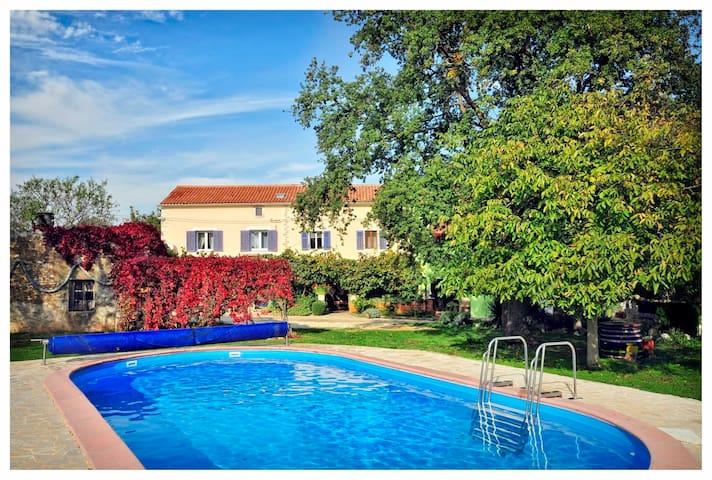 Villa Marina Valtura / Holiday House Marina Valtura - พูลา - วิลล่า