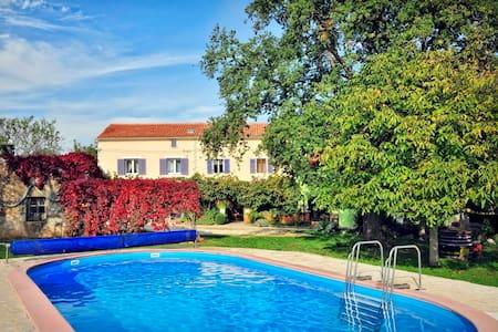 Villa Marina Valtura / Holiday House Marina Valtura - Pula - Villa