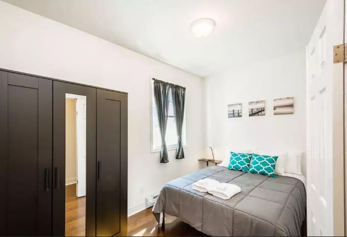 Stylish Two Bedroom with Patio in Hot Neighborhood
