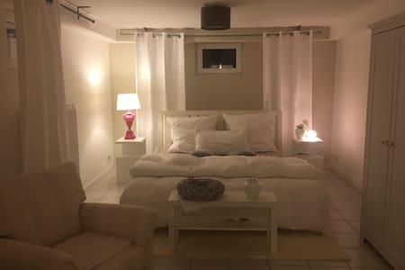Modernes, gemütliches Apartament in Souterrain