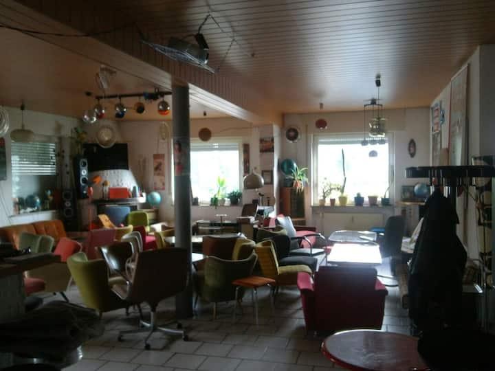 DAS Erlebnis: Living in a Bar