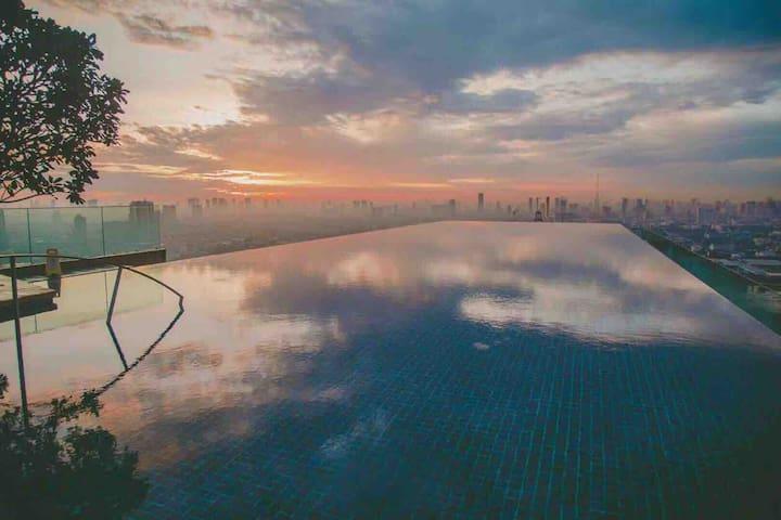 MRT Bang o,湄南河景40楼天空无边网红泳池公寓(NO.1)