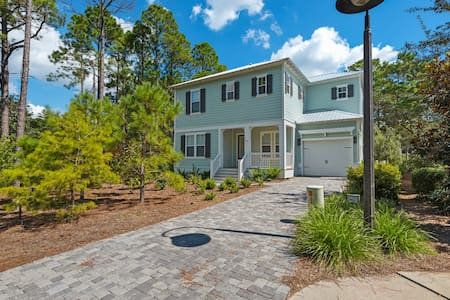 5BR w Golf Cart In Heart of Seagrove