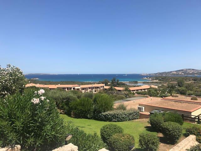 Monolocale con terrazza e splendida vista mare