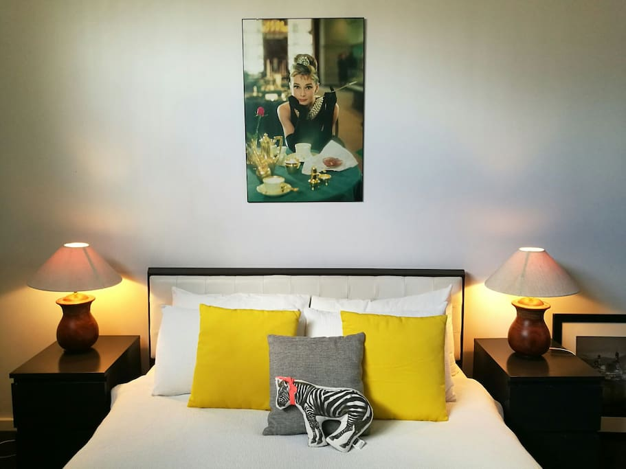 And if you love Audrey Hepburn, you'll love this room!