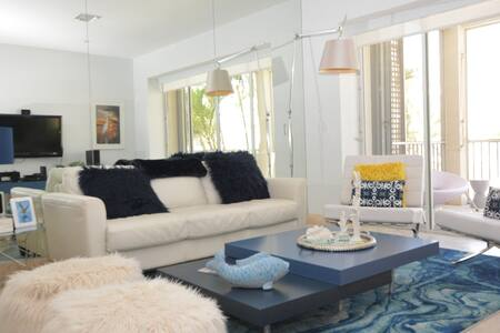 Mariner's Club 204 - Chic 3BR Marina Front Home