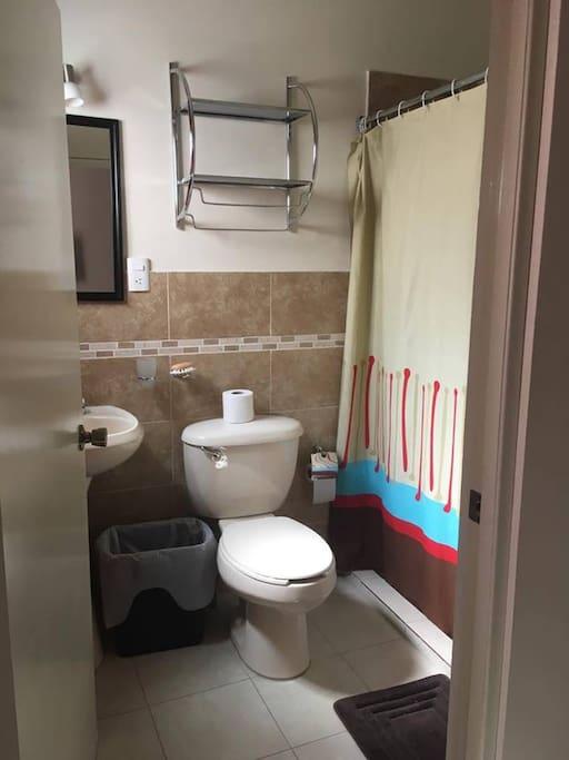 Baño de la Habitación Sencilla (cuarto Num 7)