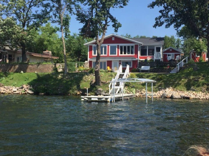 Beautiful lake home on lake Ida. Clean clear sandy
