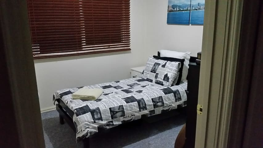 Private comfy place to rest in. - Bayswater - Apartment