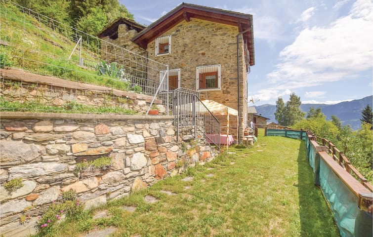 Holiday cottage with 2 bedrooms on 80 m² in Villa di Tirano SO