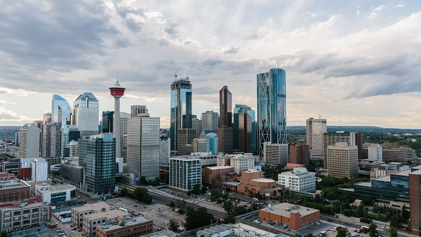 Top rated DT condo by Festivals, Stampede & River