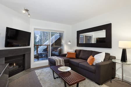 Townhome with Private Hot Tub - Whistler