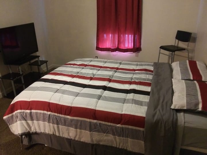 Spacious room N condo w/private bath NO EXTRA FEES