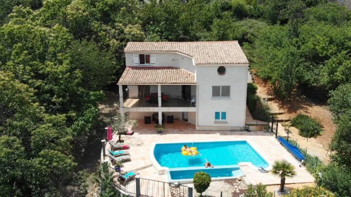 Cevennes et Ardèche villa avec vue