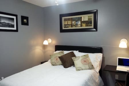 2 bedrooms for couples or families - Weslaco - 단독주택