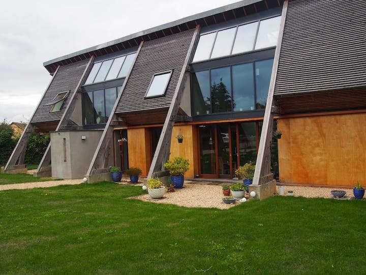 Chambre MO dans maison d'architecte