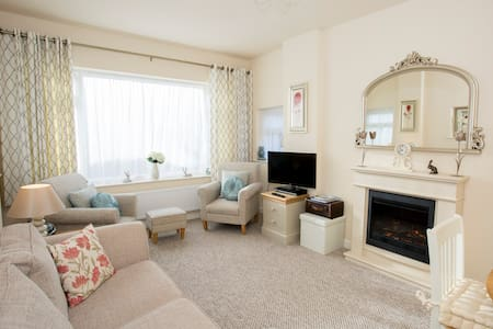 The Little House by the Park - Weston-super-Mare