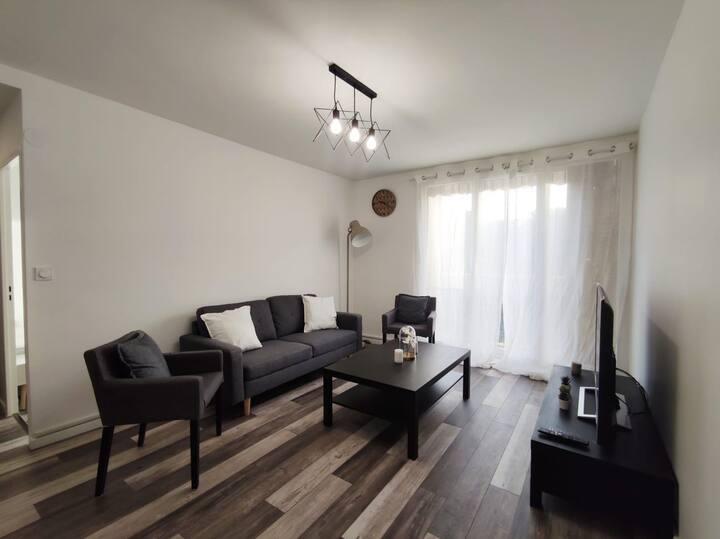 Chambre dans appartement de standing Saint-Priest