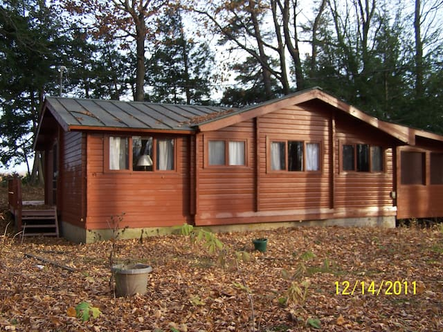 Cedar Log Cabin on Lake Champlain - Alburgh - Kabin