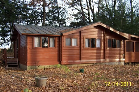 Cedar Log Cabin on Lake Champlain - Alburgh - Cabin