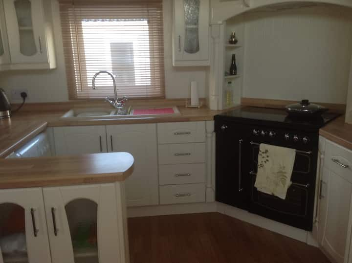 Prestatyn...Gold Standard Caravan on quiet site