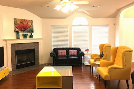 Beautiful 3 bedroom home in Sugar Land