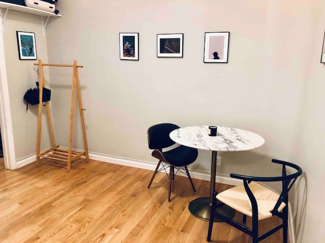 Cute & Comfy 1 Bed Apartment (Downtown NYC)