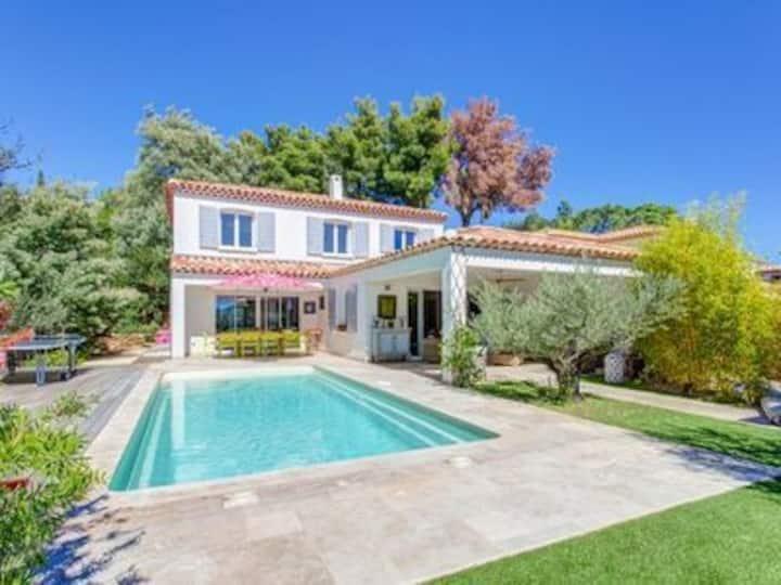 Villa standing piscine