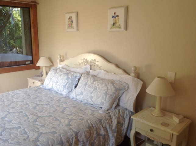 Tuscany and Nature in the Bays BnB - Auckland - Ház