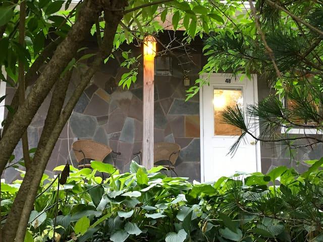 Cabin Efficiency w/ Hiking Access & Belleayre (4B)