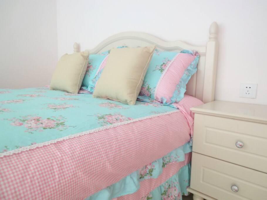 韩式大床还有床单被套