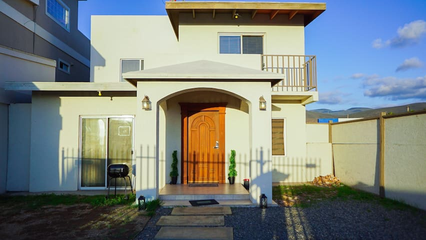 ★SANITIZED 3br Home★ 4Min walking from Sandy BEACH