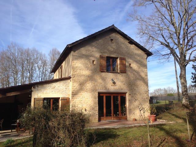 Maison au calme en Dordogne - Bars - Hus