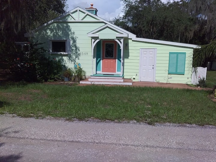 Room in Florida Cottage