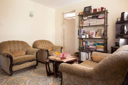 A Home Away From Home in Westlands - Westlands - Lakás