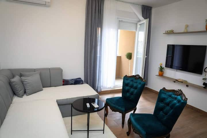 Novi, lijepi stan na top lokaciji u Mostaru