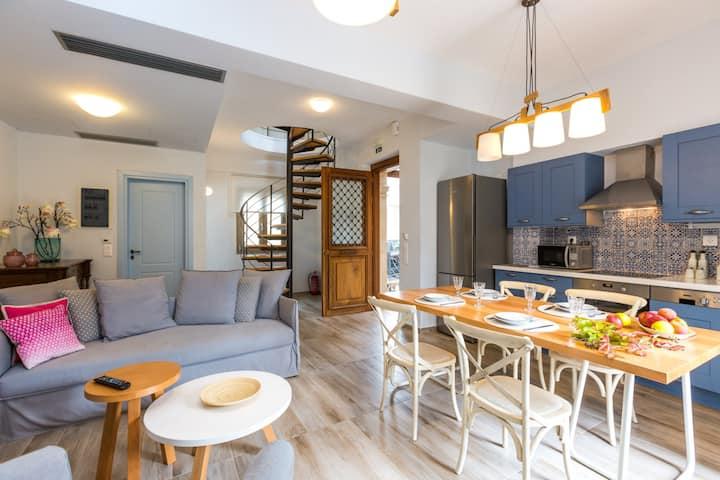 Manolia Villa, Elegant and Refreshing