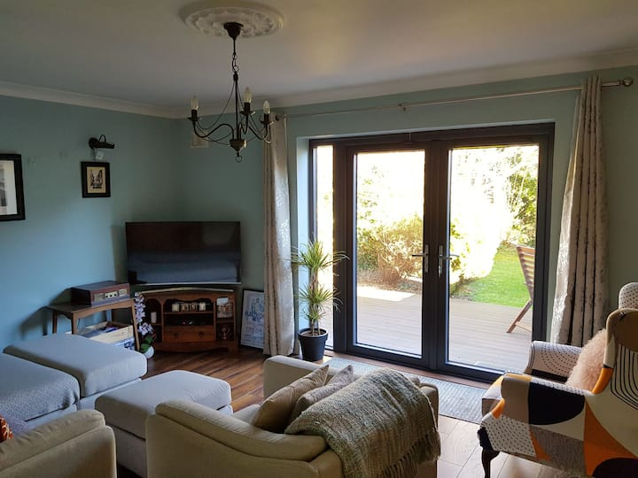 Beautiful home in lucan beside St Catherine's park