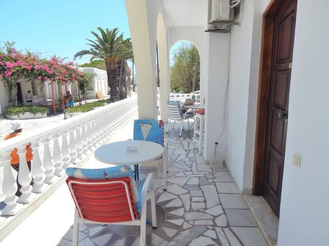 Santorini Seaside Home - Terrace Sunny Double